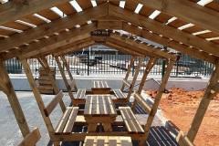 """שולחן קק""""ל כולל גג עץ"""